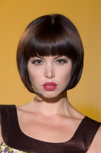 http://4.bp.blogspot.com/-RSoQihuxRto/TaffpLjSX4I/AAAAAAAABfM/lU1dErUvWjM/s1600/trendy-short-haircuts.jpg