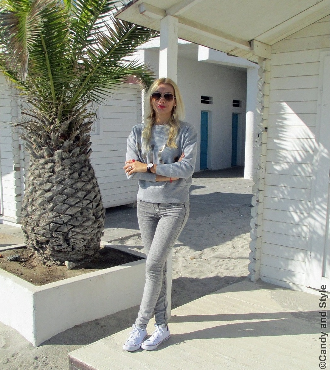 AviatorSunnies, Sweatshirt, Jeggings, Sneakers - Lilli Candy and Style Fashion Blog