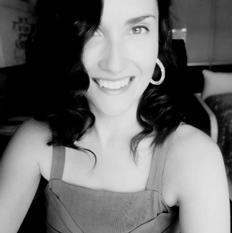 Hola! Soy Sara. Para cualquier dudilla escribe un mail y te atenderé encantada
