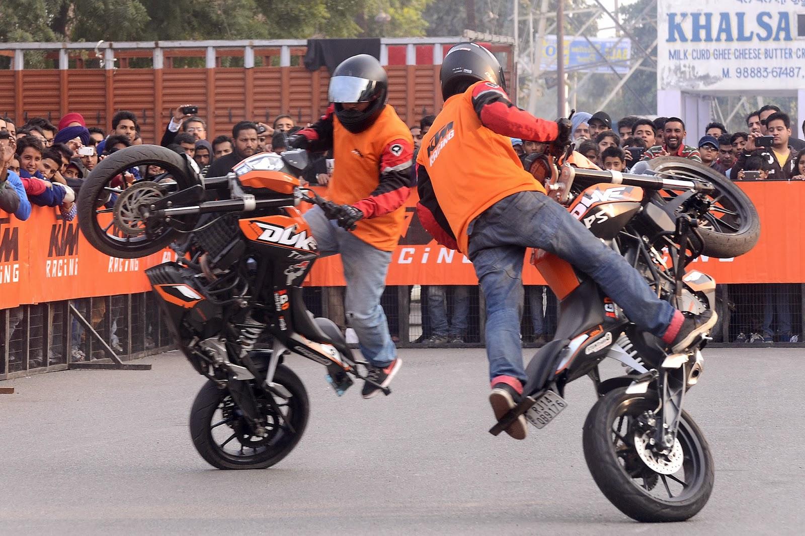 KTM, India, Show, Art, Motor bike, Australia, Sports motorcycle, Manufacture, Stunt, Perform, Offbeat, Stuntmen, Amritsar,