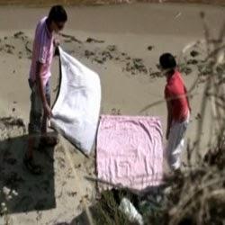 Flagra de Sexo na Praia a Novinha Dando Bem Gostoso ao Namorado - http://www.videosdeflagrasamadores.com