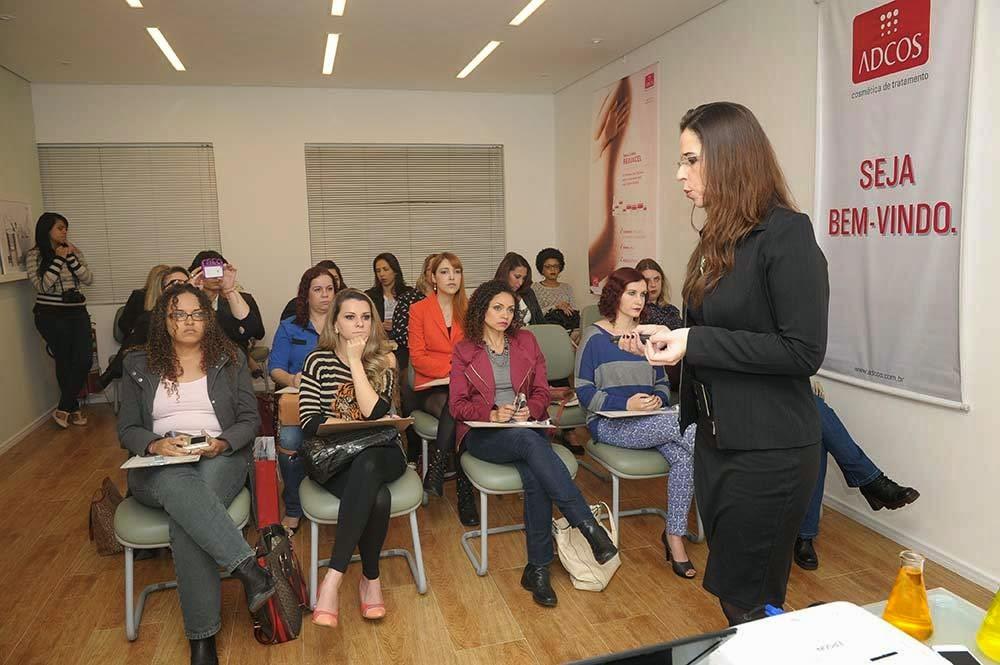 Adcos Ensina linha Derma Complex