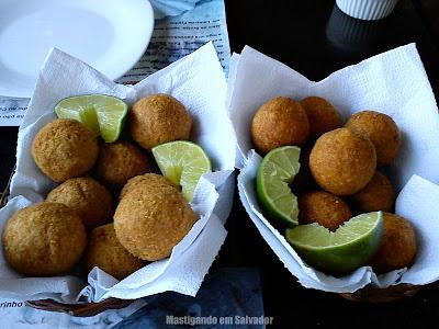 Donana Restaurante: Porções de Bolinhos de Peixe e de Camarão
