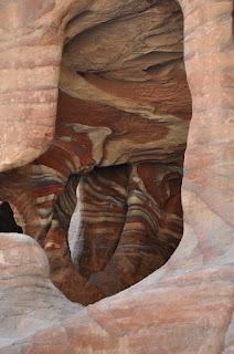 La piedra, decoración más que suficiente para las casas en Petra