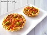 http://recetinesasgaya.blogspot.com.es/2014/09/tartaletas-de-atun-encebollado.html