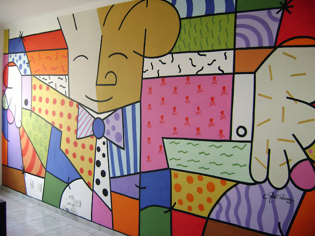 decoracao de interiores salas de apartamentos: de Romero Britto. Pintura interna em parede da sala de apartamento