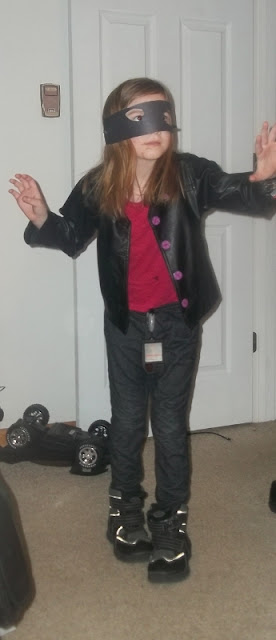 homemade ninja spy costume what she's wearing