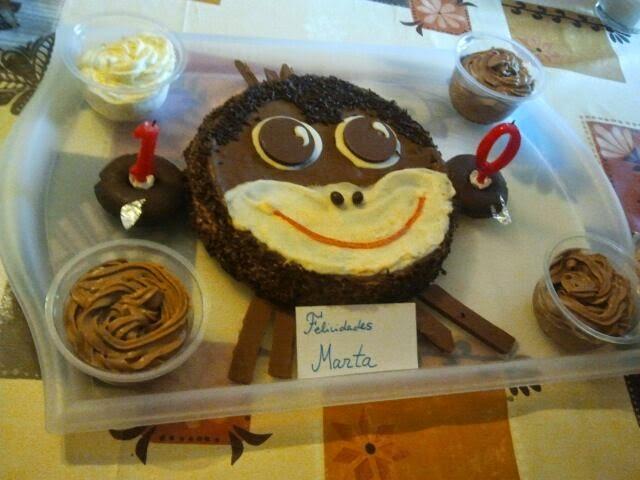 Tarta mono de chocolate, tarta mono, mono de chocolate, tarta de chocolate, cara de mono, pintando la mona, tarta divertida, tarta original, tarta graciosa, tarta animal, mono, chocolate, animal,tarta cumpleaños