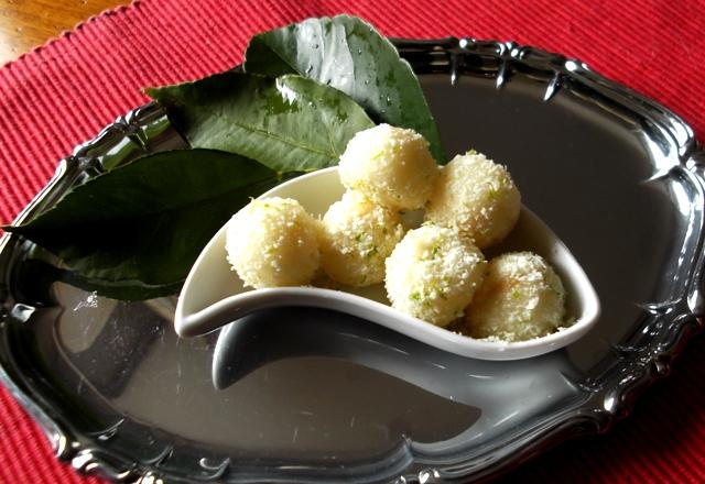 Perle di pera e formaggio profumati di lime ricetta facile