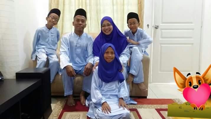 Asna dan family