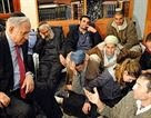 Netanyahu Visits Mourners of Fogel Family