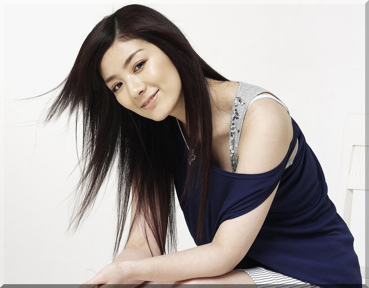 beautiful chinese women - Mobile wallpapers