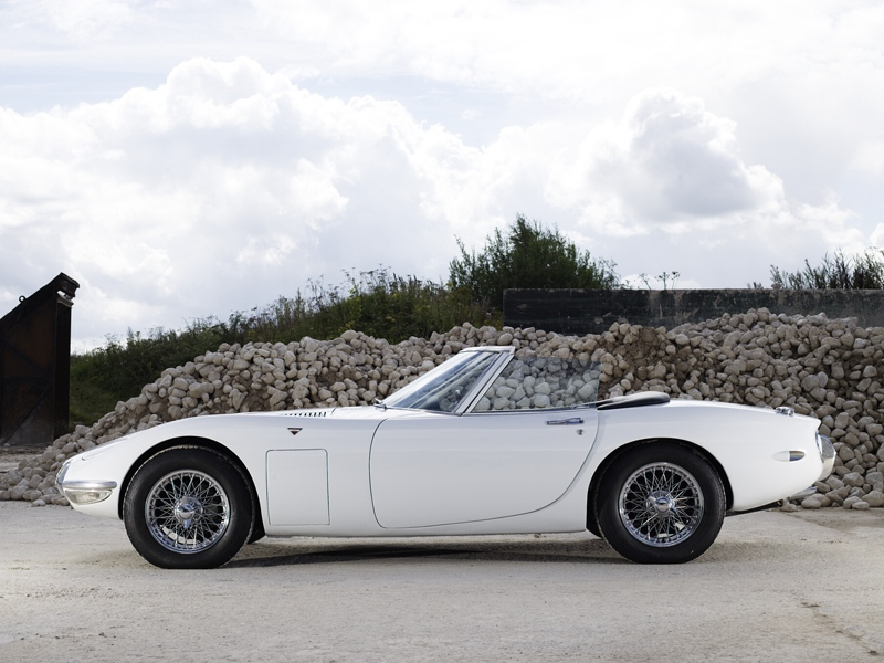 Fab Wheels Digest F W D 1967 Toyota 2000gt Convertibles In The James Bond Film Quot You Only