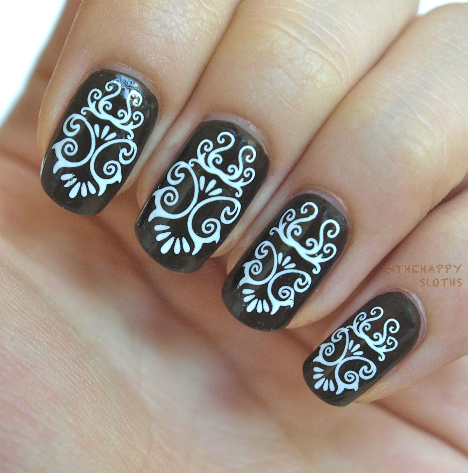Peter Pan Nails: Swirly Lines: Manicure Featuring Water Decal Nail Stickers