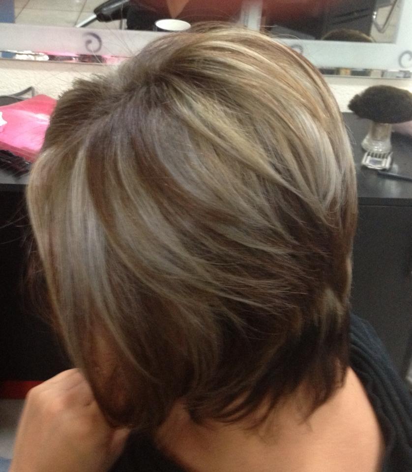 Tips naturales para ocultar las canas trucos de belleza for Color marmoleado para cabello