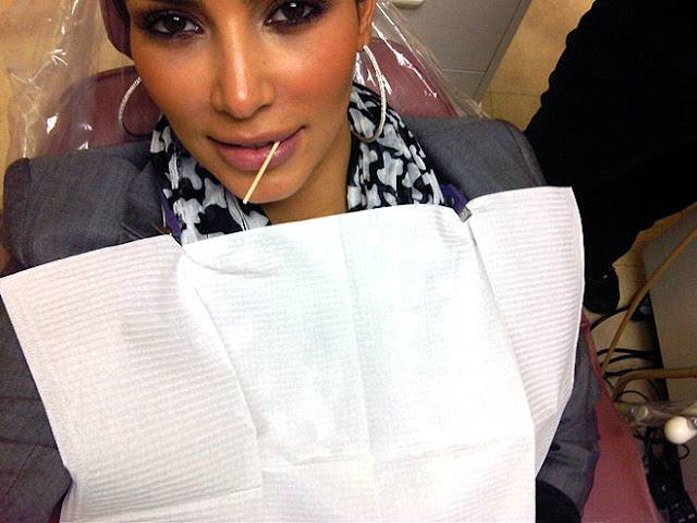 KIM KARDASHIAN HOT SEXY PICTURE DENTIST CHAIR RARE PHOTO
