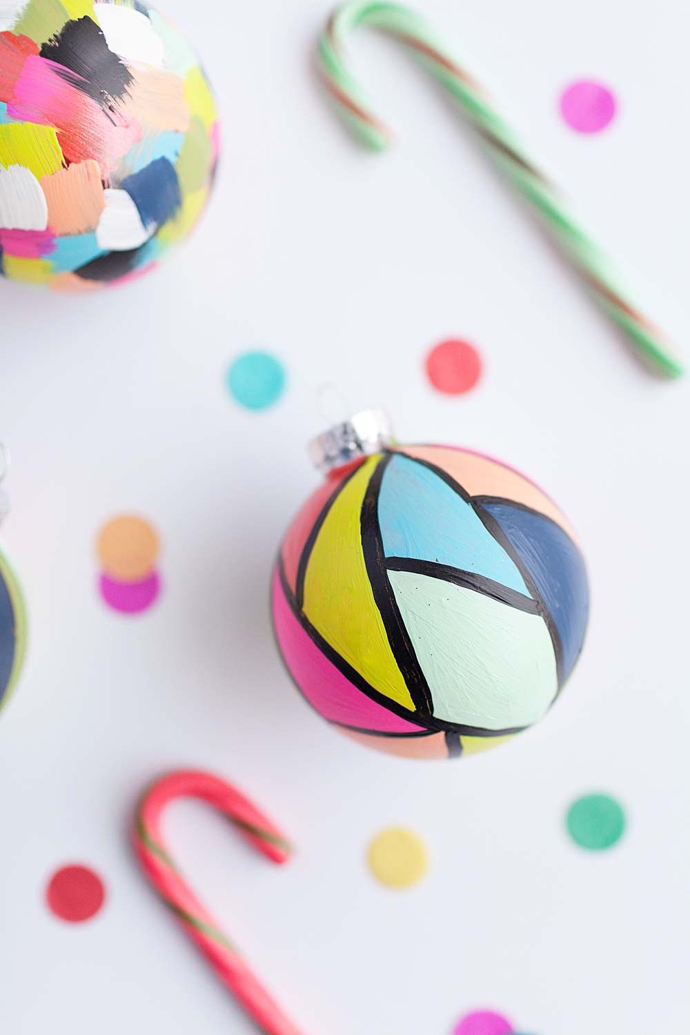 Tell diy painted ornaments tell love and party - Box weihnachtskugeln ikea ...