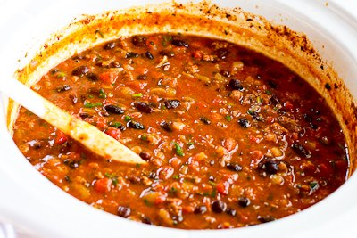 Slow Cooker Recipe For Beef And Refried Bean Chili With Salsa And Lime ...