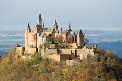 Gambar kastil Hohenzollern di Bisingen