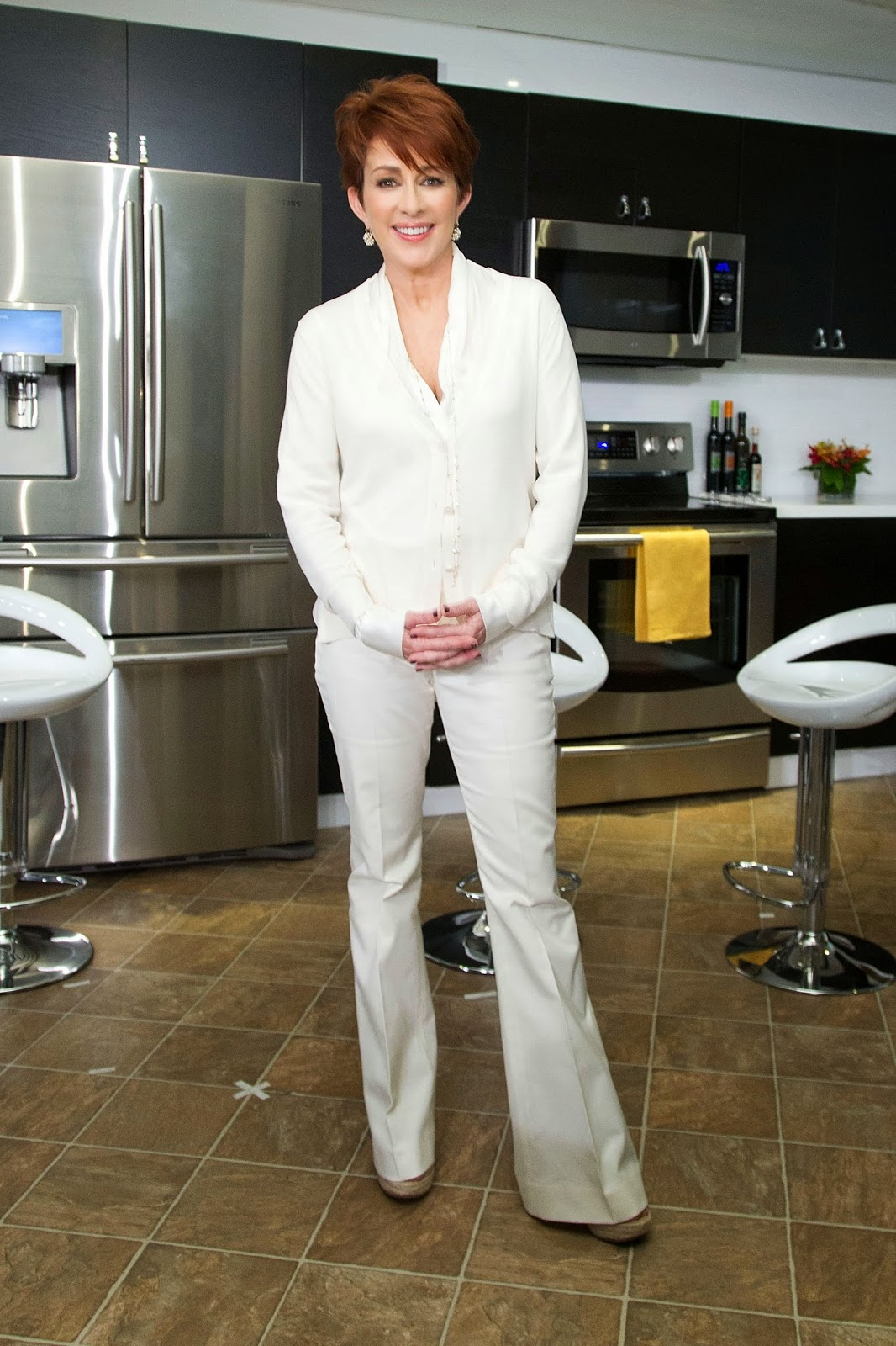 Patricia Heaton White Silk Blouse Under Cardigan Satin