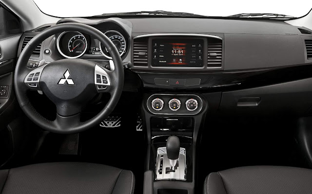 Novo Mitsubishi Lancer HLE 2016 - interior