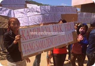 Ratusan Pekerja Seks Komersial (PSK) Tolak Penutupan Lokalisasi Tanjung Elmo