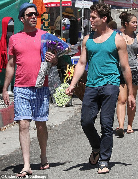Adorable  Hollywood hot couple Zachary Quinto and Jonathan Groff wereJonathan Groff Boyfriend Zachary Quinto