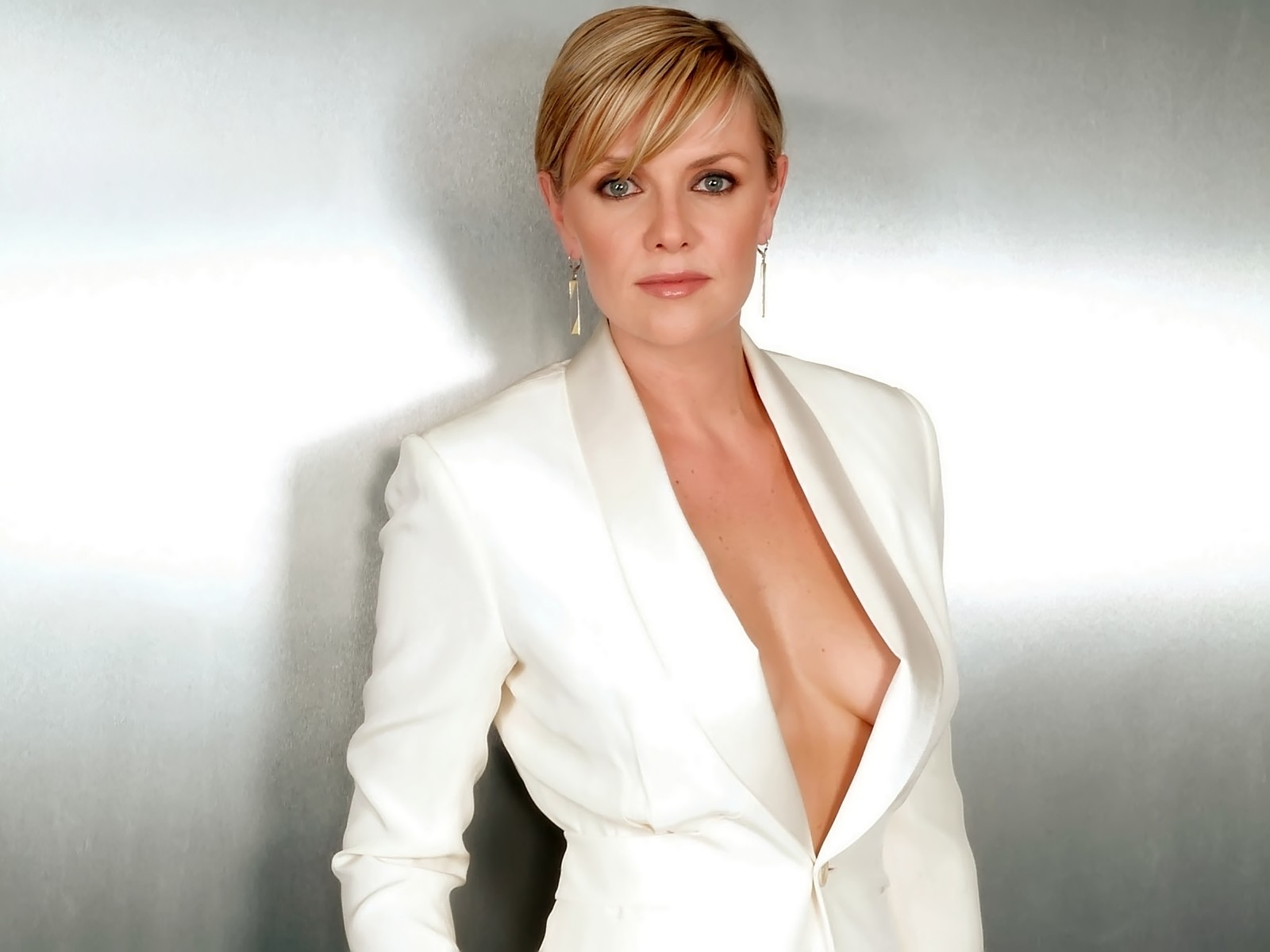 celebrities amanda tapping. Black Bedroom Furniture Sets. Home Design Ideas