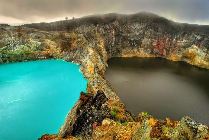 Perubahan warna danau Kelimutu