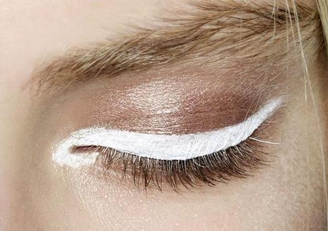 Tendance eye liner blanc