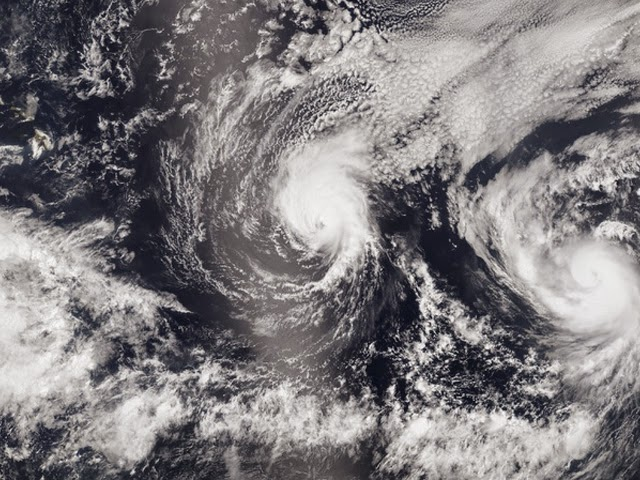 http://tntreview.com/2014/08/08/hawaiis-twin-storms-iselle-and-julio/