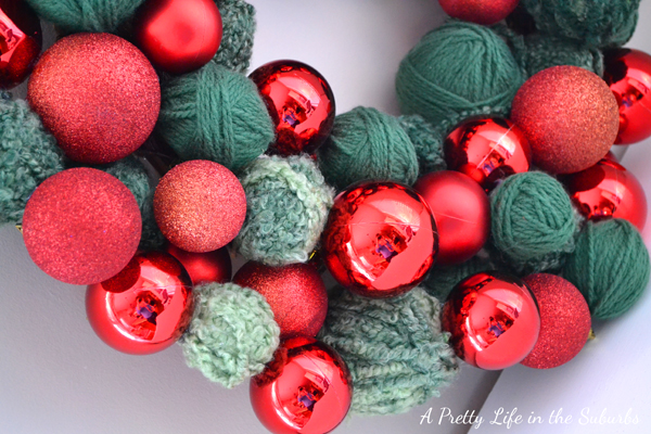 Starbucks Inspired Christmas Ornament Wreath {A Pretty Life}