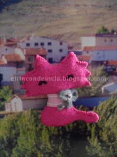 broche de fieltro gato