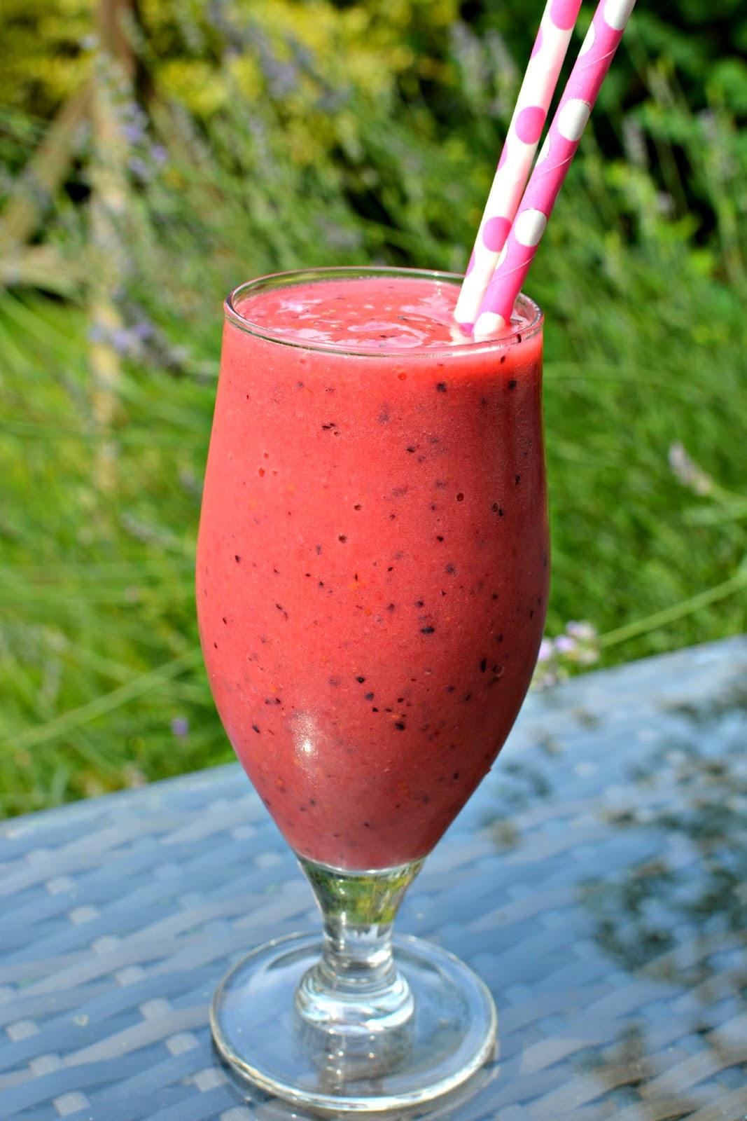 banana and berry smoothie recipe