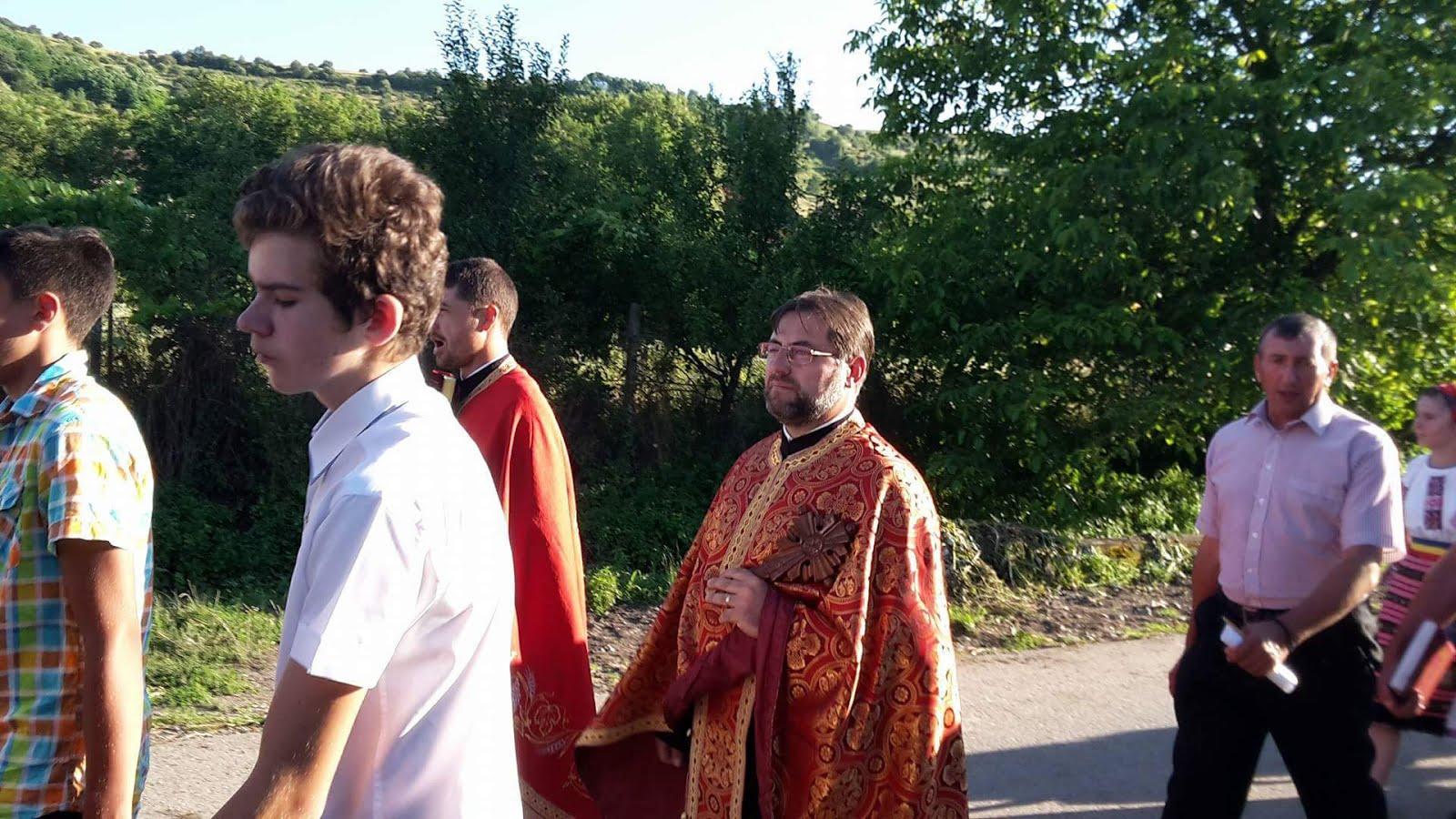 Procesiunea ,,Credinta pe care o marturisim,, - Mariselu 10 iulie 2016