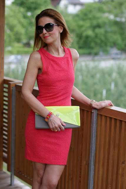 Zara coral dress, abito corallo, summer dress, Estee Lauder coral fantasy lipstick, Fashion and Cookies, clutch Melissa