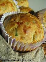 Wytrawne muffiny z cukinią i serem owczym