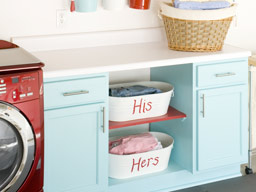 Momma T's Place: Color Palette: Aqua and Red