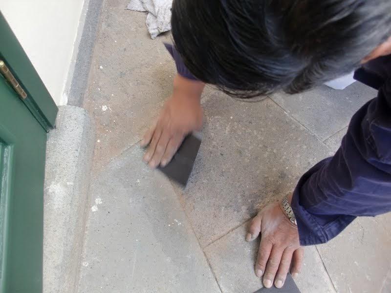 Aprende con tu amigo luis quitar pintura del suelo de piedra - Como quitar rayones del piso vinilico ...