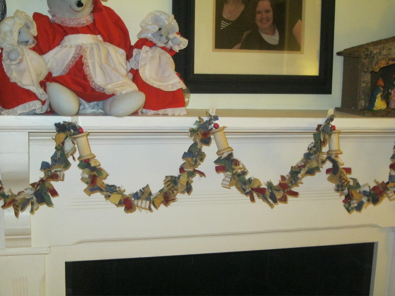 Tip garden homespun christmas tree garland from old for Garland christmas tree craft
