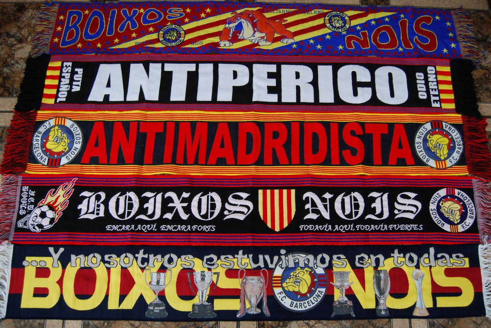 Bufandas del grupo de hooligans de F.C.Barcelona, los Boixos Nois.