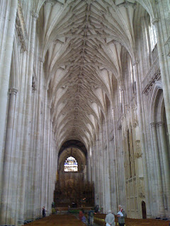 Visit to winchester famous cathedral and the round table of king arthur award winning beauty - Round table winchester cathedral ...