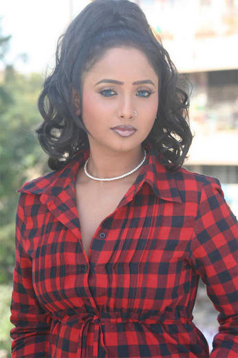 Rani Chatterjee Bhojpuri Actress Sexy Images Gallery ~ Star Bollywood ...