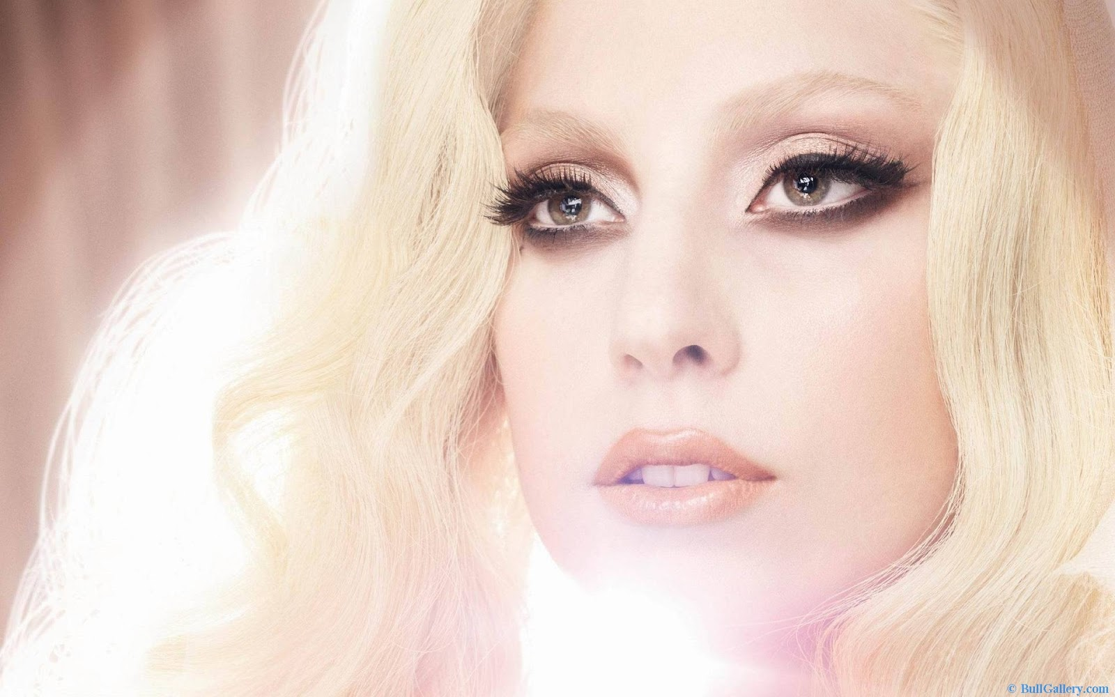 http://4.bp.blogspot.com/-RWzLvudbJAU/UGK2_MBXLbI/AAAAAAAAEs0/J3VMuUuMFvQ/s1600/lady-Gaga-High-Resolution-Pictures.jpg