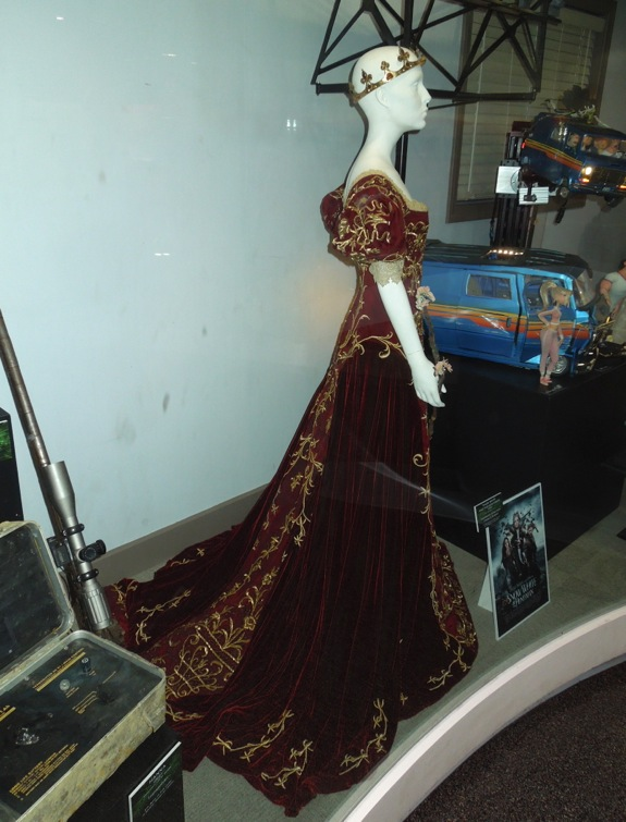 Snow White Huntsman coronation gown