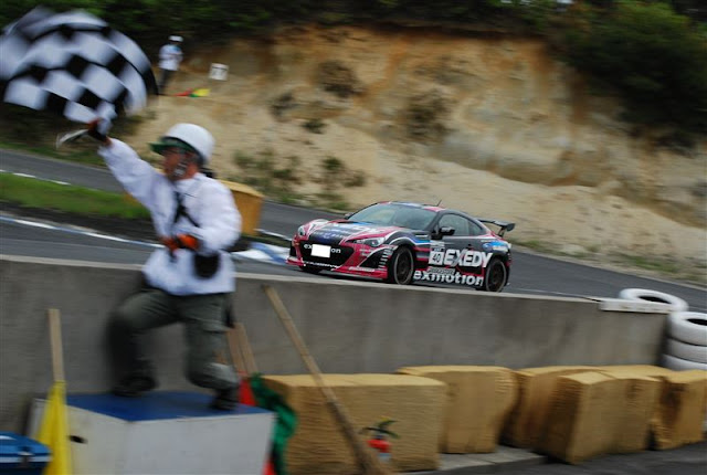 Subaru BRZ, wyścigi, tor wyścigowy, boxer, RWD, nowy samochód, japońskie auto, do sportu, z napędem na tył