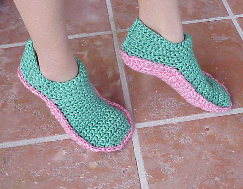 Crochet Patterns Slippers : Kriskrafter: New Crochet Slipper Pattern! Options