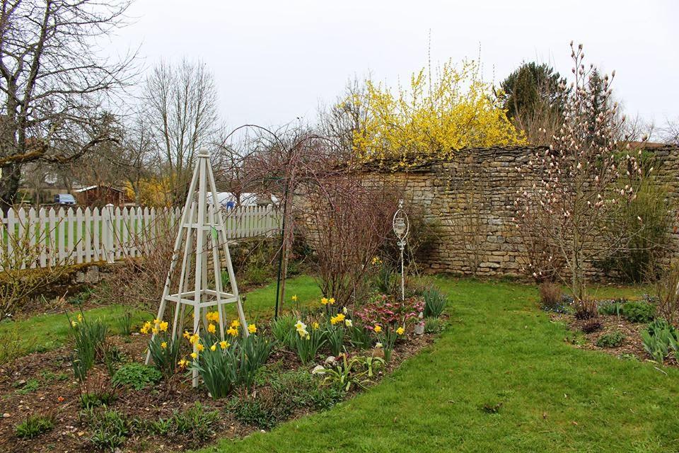 Notre jardin secret mars 2015 for Jardin secret 2015