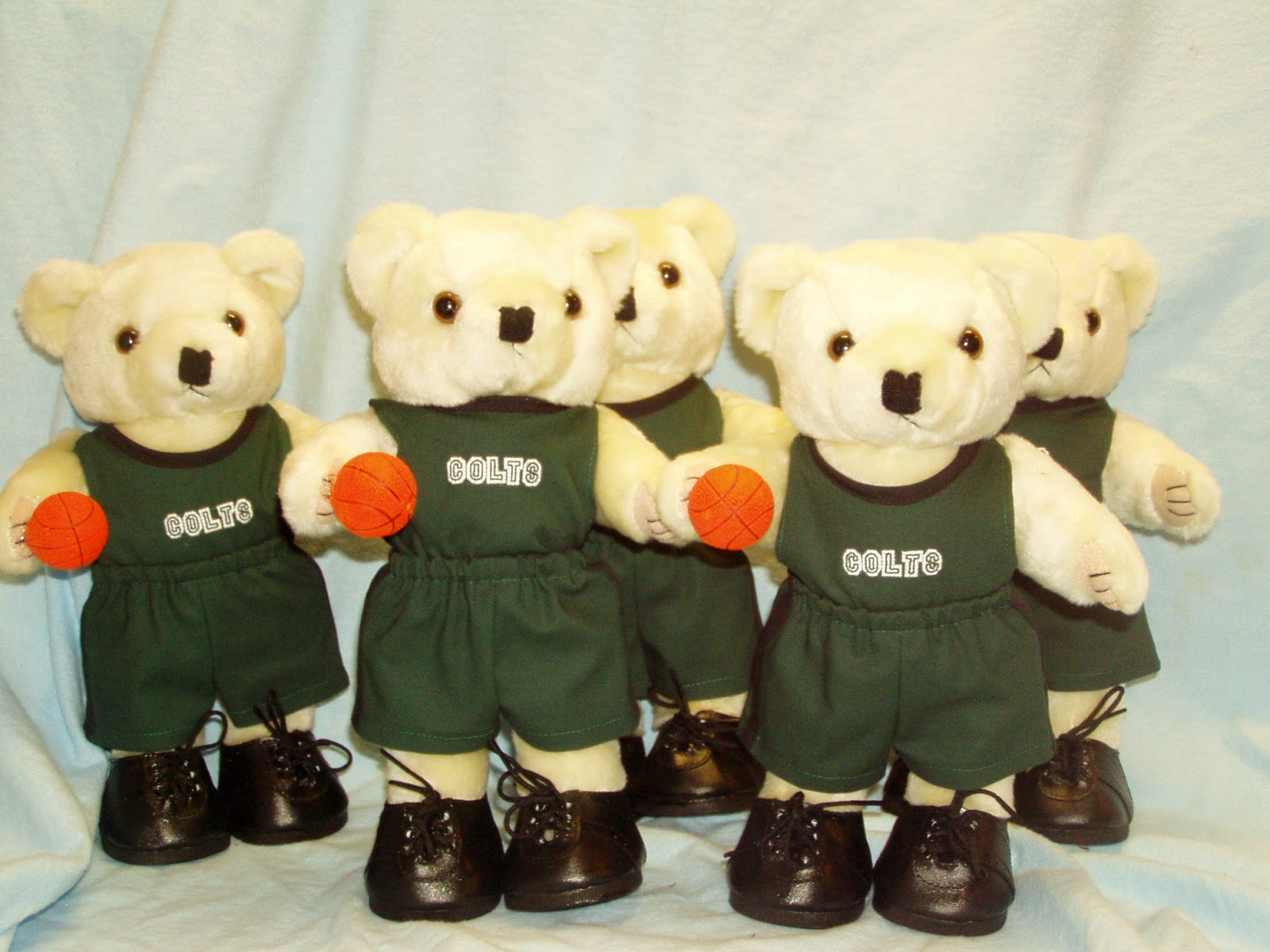 Basketball Bears in uniforms