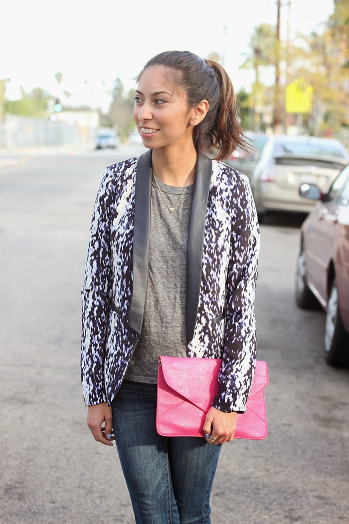 how to style a printed blazer